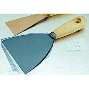 Titanium putty knife